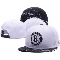 Brooklyn Nets White Snapback Hats White Black Cracks